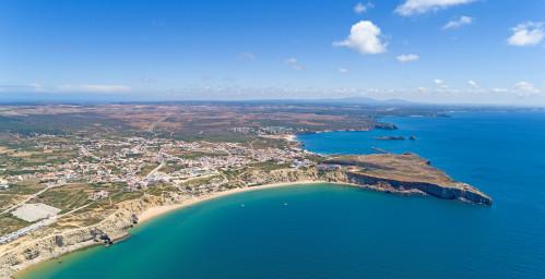 Blick auf Sagres und den Mareta-Strand
