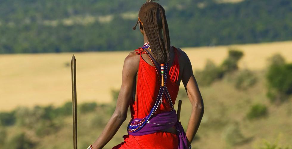 Massaï en tenue traditionnelle