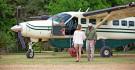 Arrivée en avion de safari