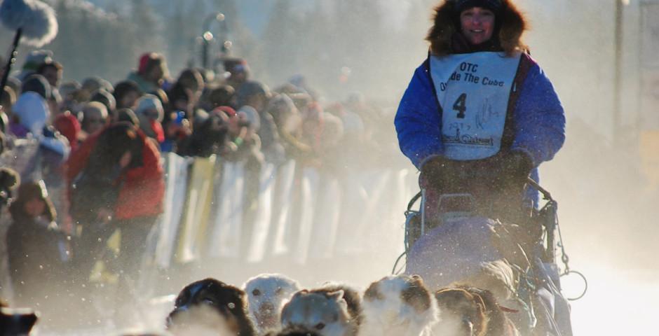 Bild 2 - Yukon Quest Dog Sledding