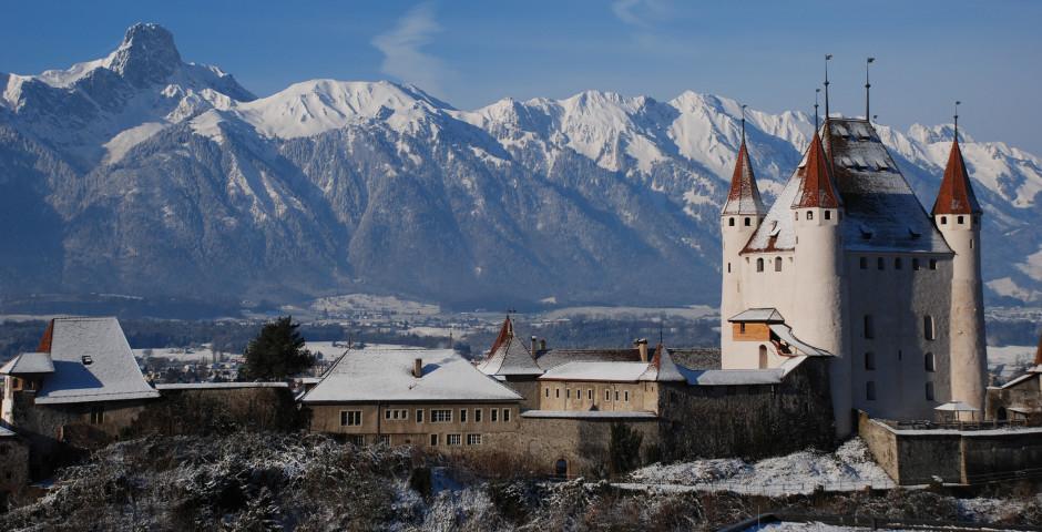 Schloss Thun im Winter - Thunersee