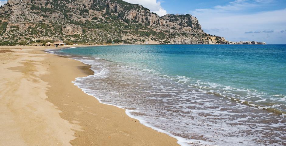 Belle plage de sable Tsambika Beach - Rhodes
