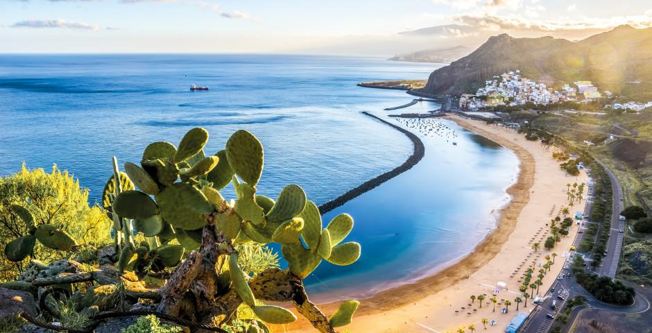 Badeferien am Strand Playa de Las Teresitas bei Santa Cruz de Tenerife - Teneriffa