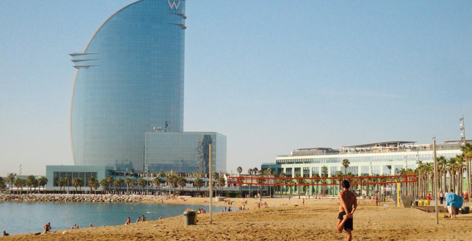 Vacances balnéaires à Barcelone, plage de la Barceloneta - Barcelone