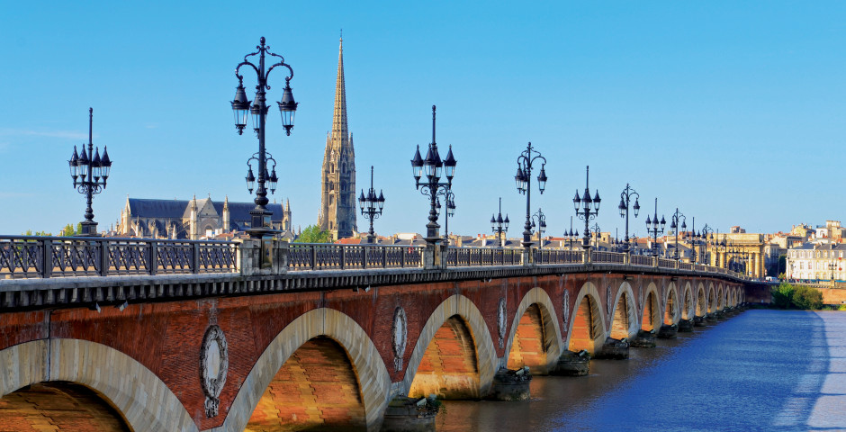 Pont de Pierre, Aquitaine - Bordeaux & Umgebung (Atlantikküste)