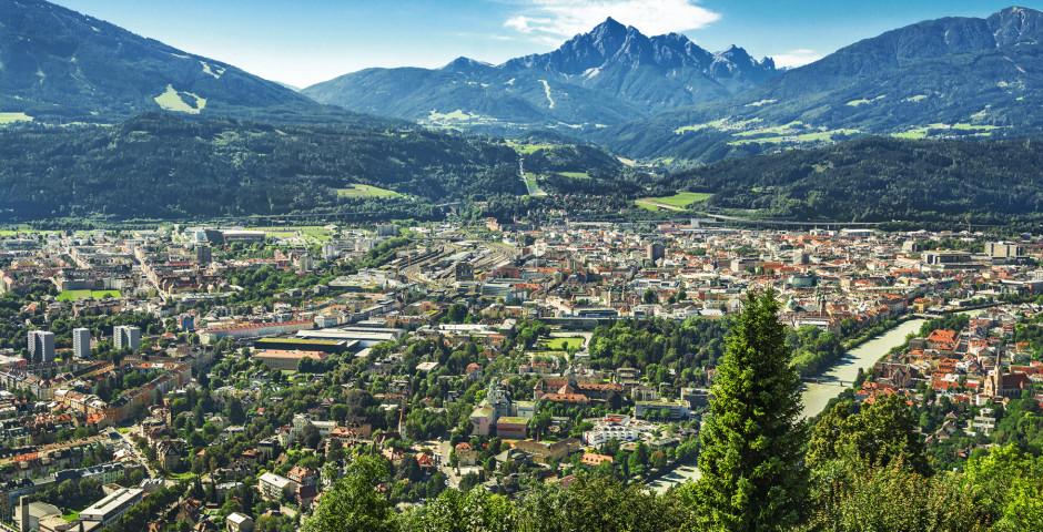 Blick auf das Mittelinntal und Innsbruck - Mittelinntal