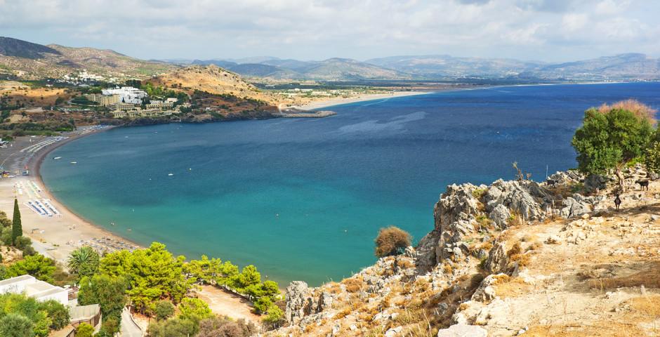 Blick auf den Vlicha Beach in Kalathos - Kalathos
