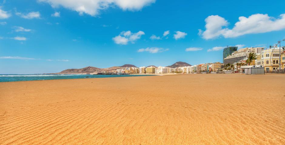 Herrlicher Sandstrand Playa de Las Canteras - Las Palmas de Gran Canaria