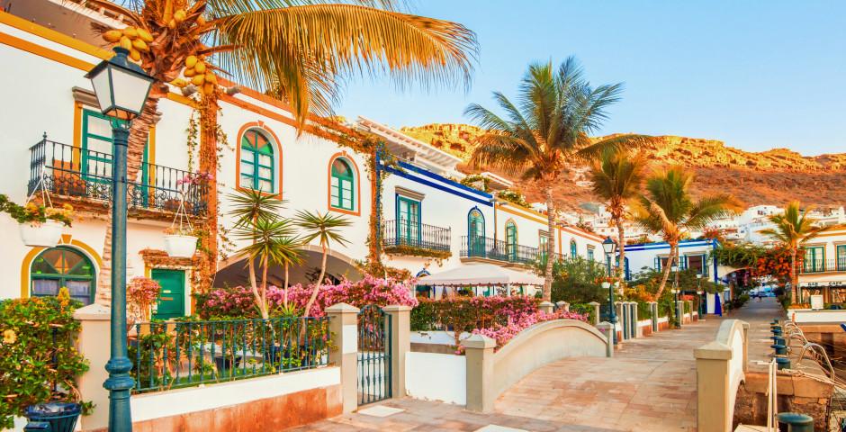 Herrliche Hafengebäude - Puerto de Mogan