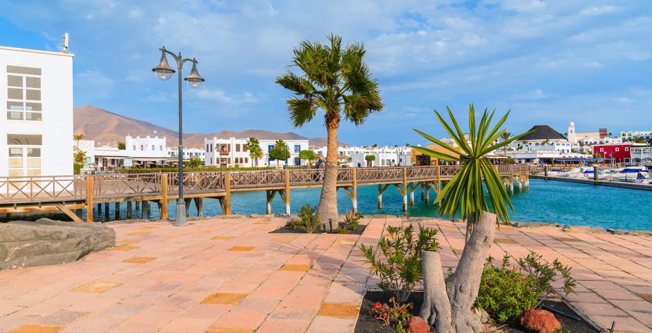 Blick auf Hafen von Playa Blanca - Playa Blanca