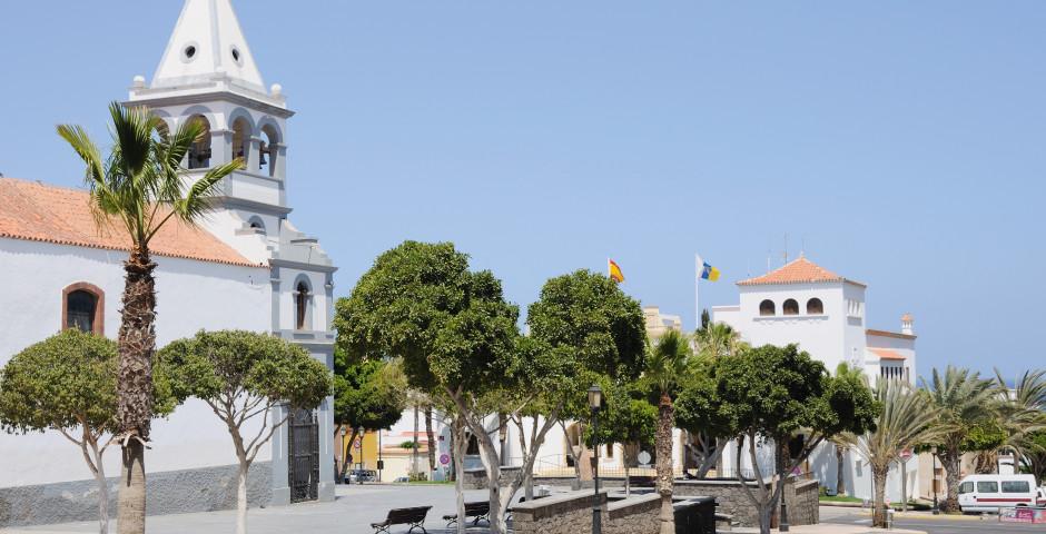 Iglesia Parroquial de Nuestra Senora del Rosario - Puerto del Rosario