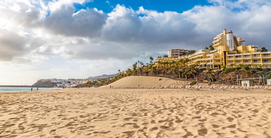 Belle plage de sable Playa del Matorral