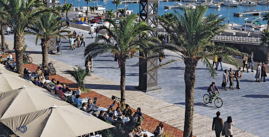Flanieren im Hafen von Barcelona - Barcelona