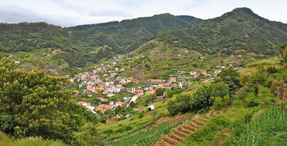 Blick auf Machico - Santo da Serra
