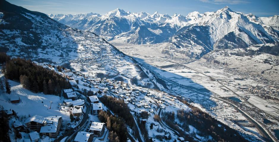 Blick über Veysonnaz im Winter © lafouinographe