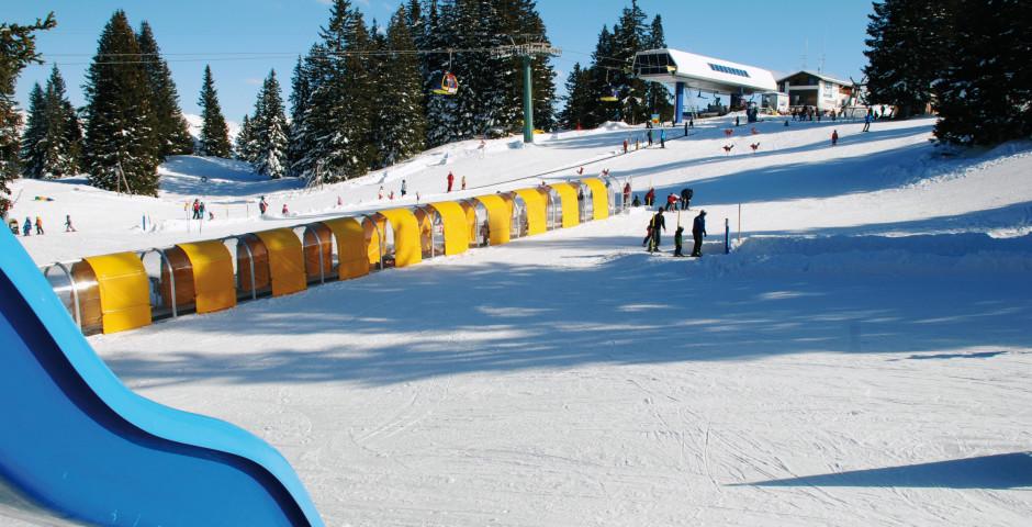 Spielplatz neben der Skipiste - Grüsch Danusa