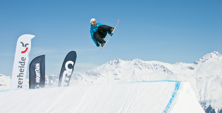 Hoch hinaus beim Snowboarden - Lenzerheide