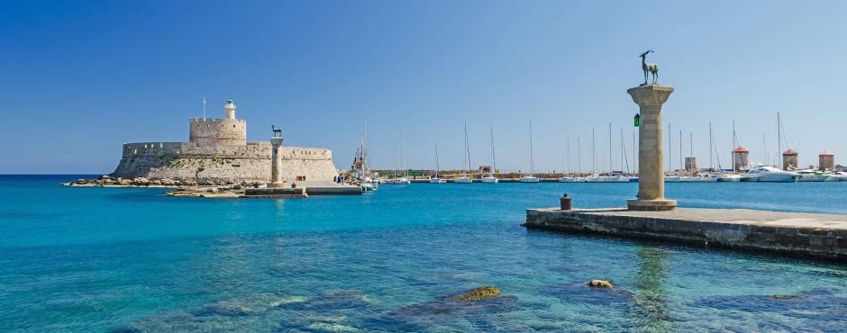 Fantastischer Ausblick auf den Mandraki-Hafen