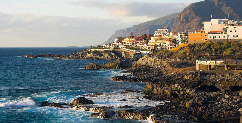 Schöner Küstenort Puerto de Santiago - Guia de Isora