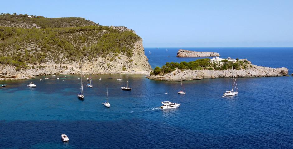 Segelboote in der Bucht von San Miguel - San Miguel