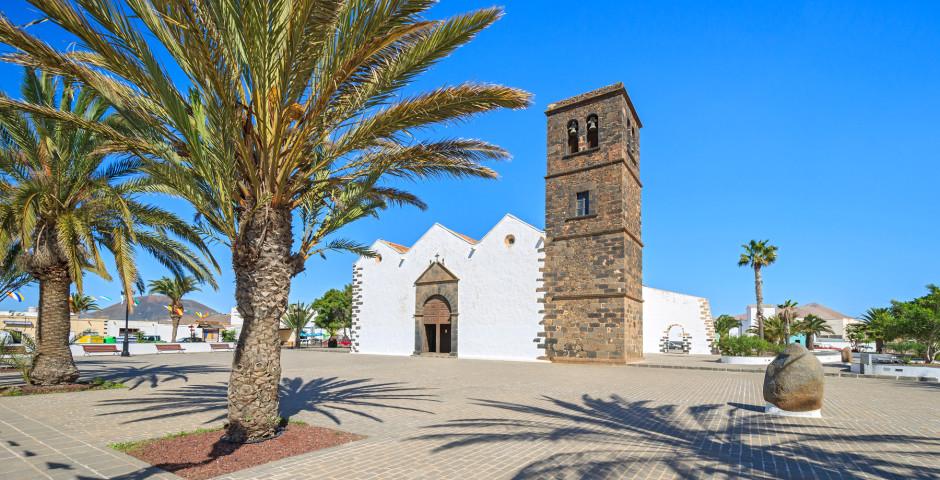 Iglesia de Nuestra Senora de la Candelaria au centre de La Oliva