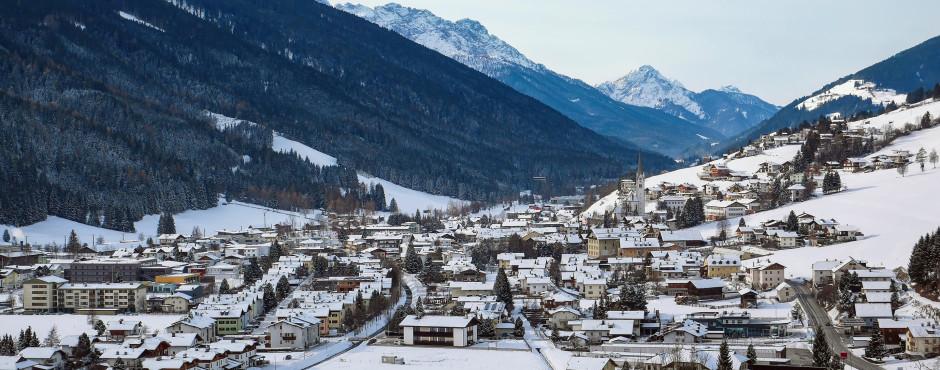 Blick auf Sillian im Winter