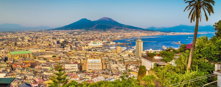 Neapel mit Blick auf den Vesuv