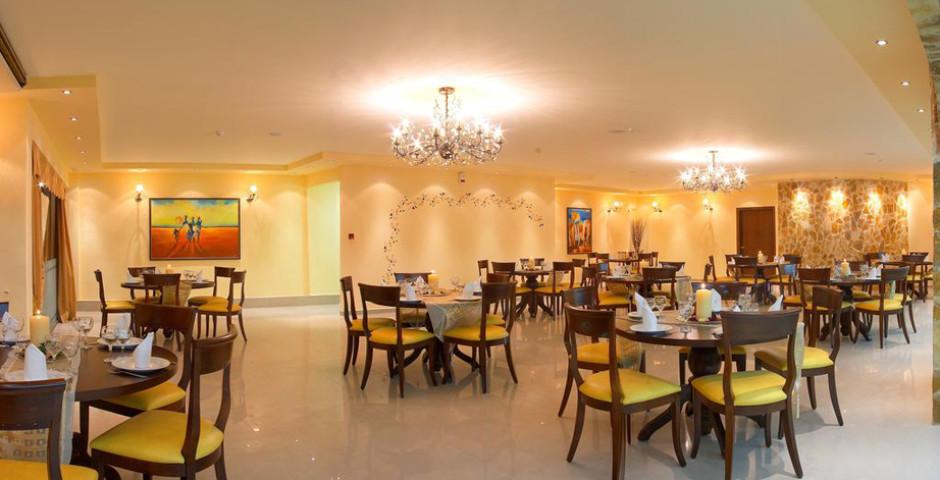 Adelais Hotel