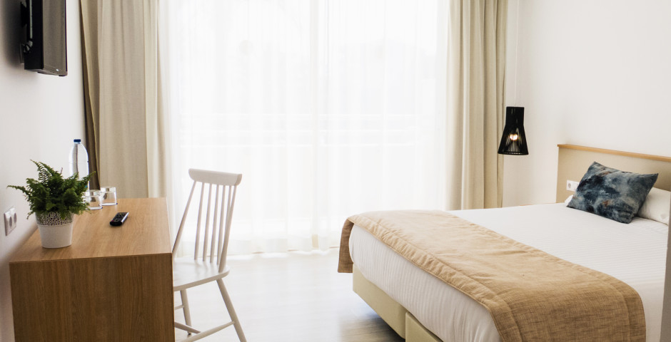 SuiteSplendit - SOM Llevant Suites
