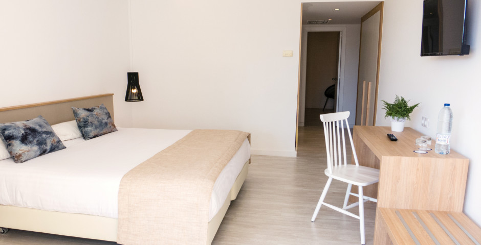 Suite - SOM Llevant Suites