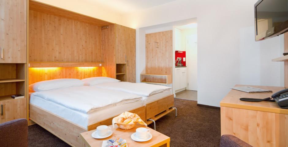 1-Zimmer-Appartement - Central Appartements Davos - Sommer inkl. Bergbahnen
