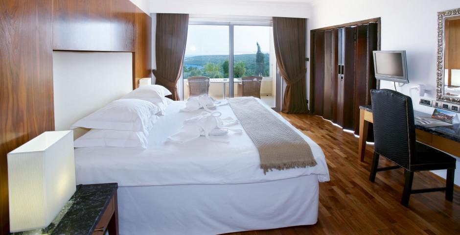 Deluxe Suite - Grecian Park Hotel