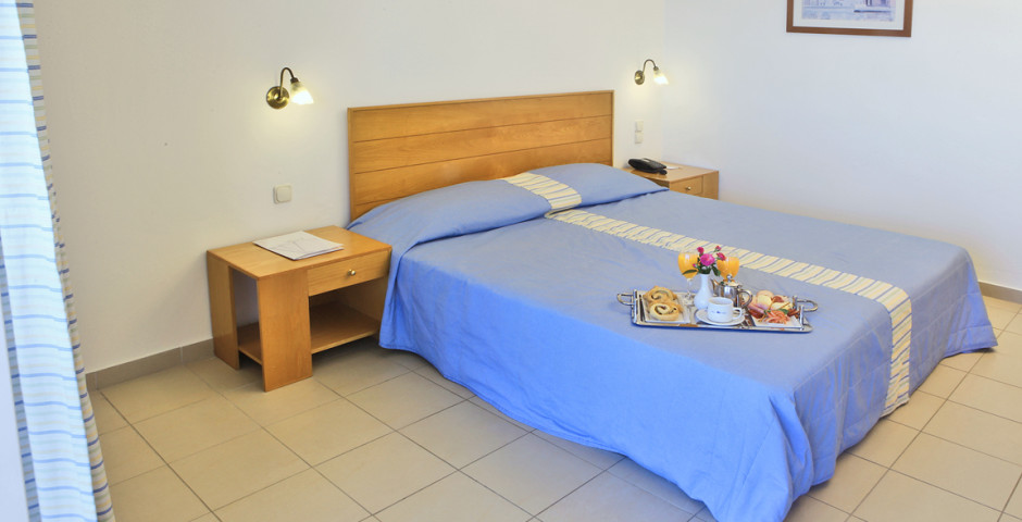 Avra Collection Coral Hotel