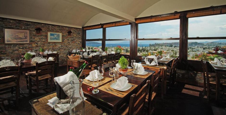 Elvino Hotel & Suites