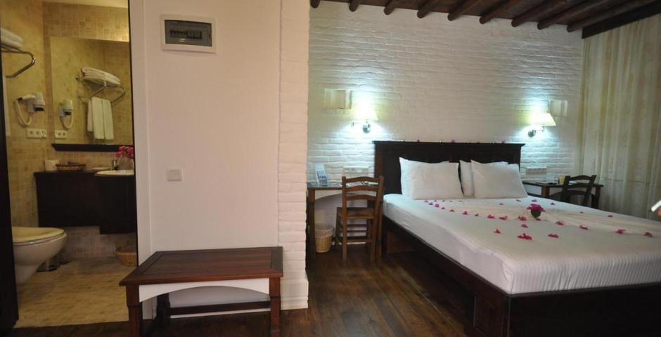 Elvino Hôtel & Suites