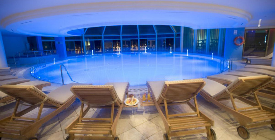 Crystal Sunrise Queen Luxuary Resort Spa