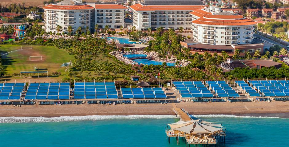 Seaden Sea World Resort & Spa