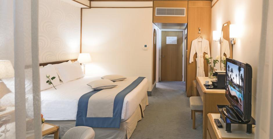 Doppelzimmer Superior - Constantinou Bros Athena Beach Hotel