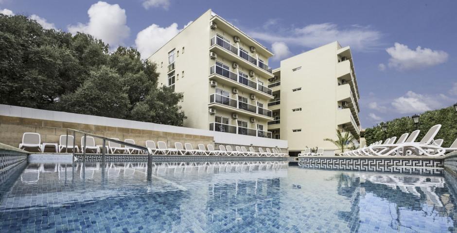 Bahamas Azuline Hotel