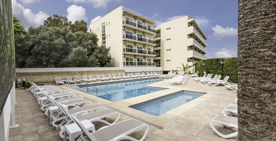 Bahamas & Bahamas II Azuline Hotel