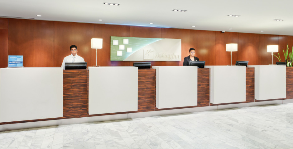 Front Desk - Holiday Inn Toronto Downtown