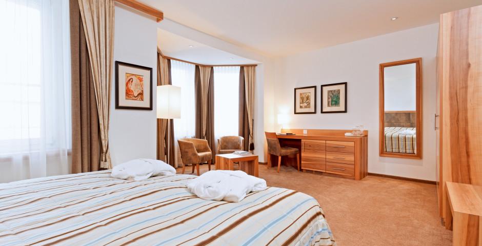 Doppelzimmer Deluxe - Art Boutique Hotel Monopol - Skipauschale