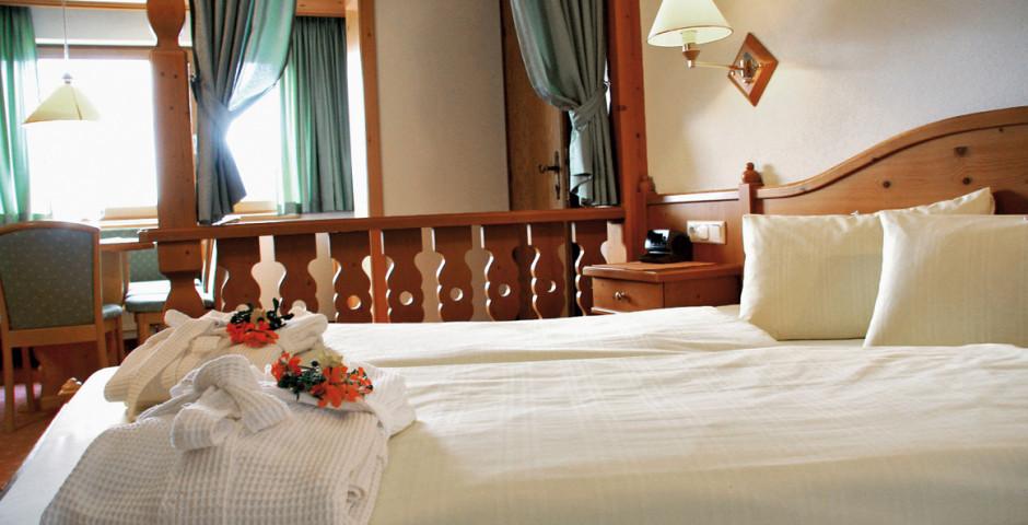 Beispiel Zimmer Ostseite - Naturhotel Taleu - Skipauschale