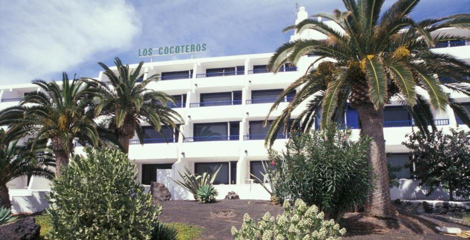 Los Cocoteros
