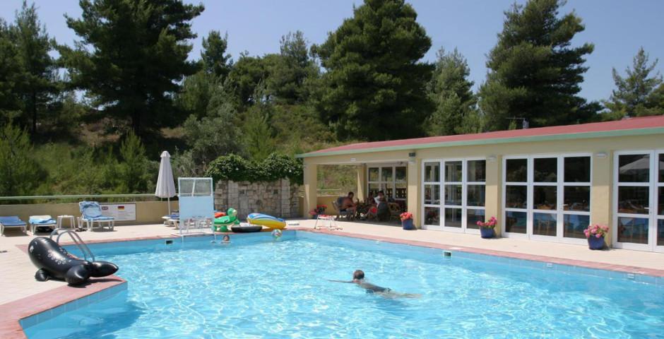 Daphne Holiday Club