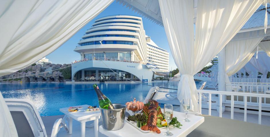 Titanic Beach Resort Hotel