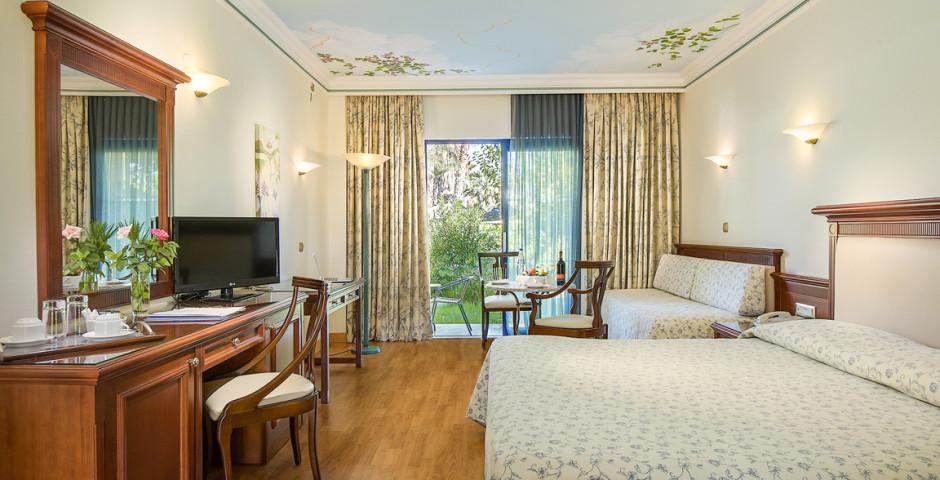 Doppelzimmer Meersicht / Gartensicht - Atrium Palace Thalasso Spa Resort & Villas