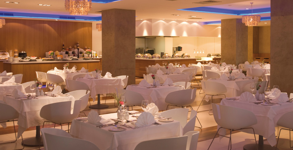 Restaurant Flavours - Napa Mermaid Hotel & Suites