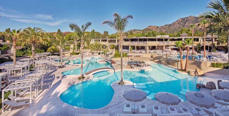 Forte Village Resort - Il Borgo - Sud de la Sardaigne ...