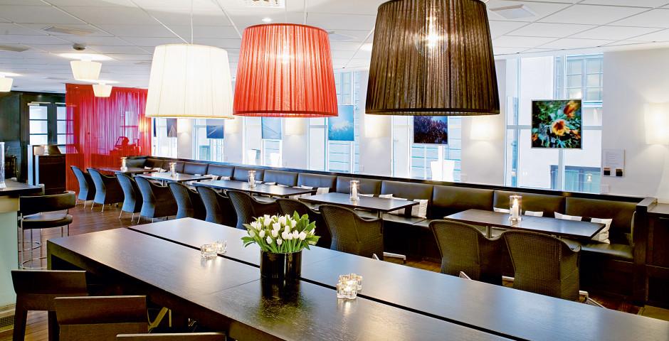 Bar - First Hotel Reisen